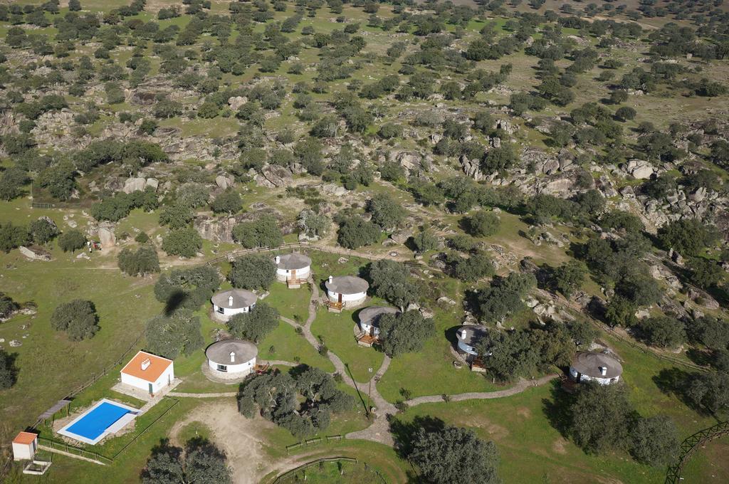 Los Chozos de la Roca. La Roca de la Sierra, Badajoz Image
