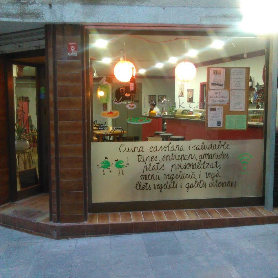 Festuk Cafè. Restaurante vegetariano en Caldes de Montbui, Barcelona Image